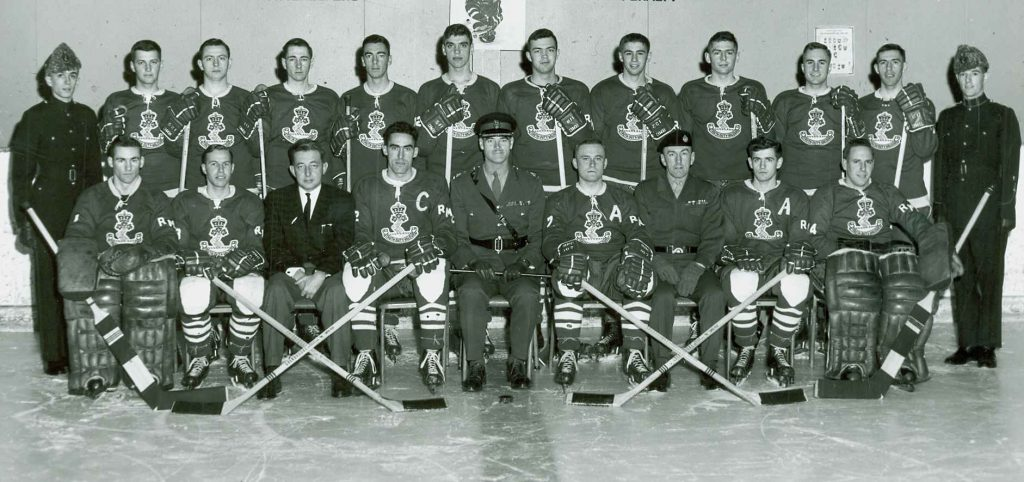 Hockey-Team-1962-63-sm