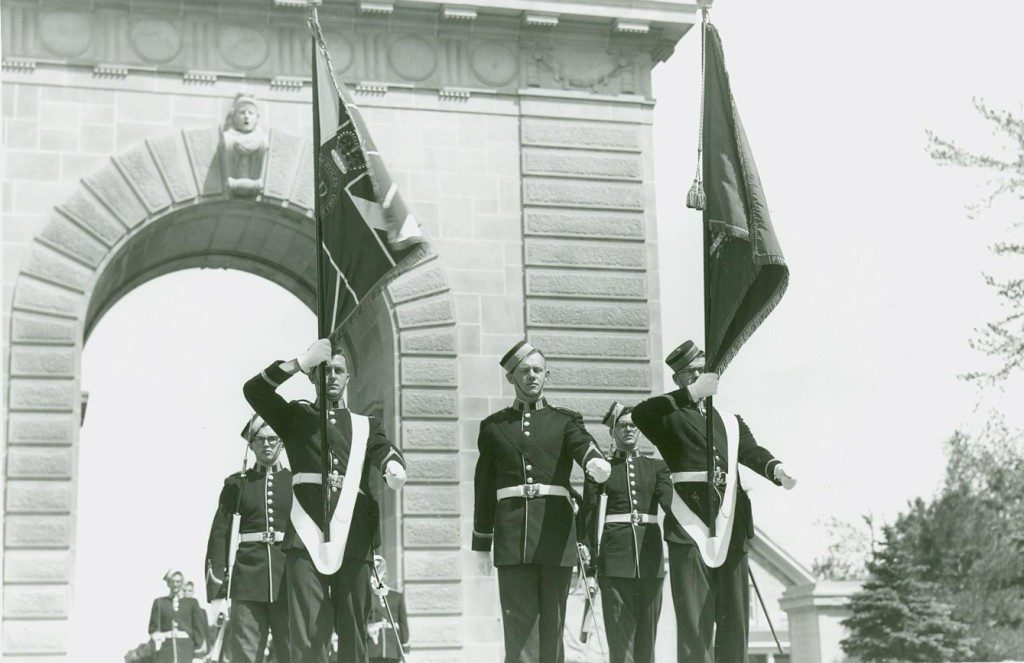 Memorial-Arch-Parade-1964